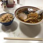 万福 - 料理写真:Aセットのハンチャンラーメン(^∇^)⭐️
