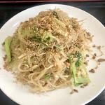 アジア料理 菜心 - 炒めビーフン