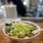 青島食堂 - 料理写真:青島チャーシュー麺大盛+薬味ねぎ50円