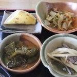 郷土料理吾兵衛 - 郷土の食材を取り入れた小鉢