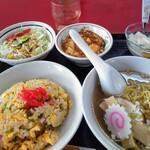 中国家庭料理 上海や - チャーハンラーメンセット 麺半分 850円