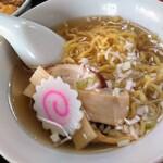 中国家庭料理 上海や - 麺半分 ラーメン