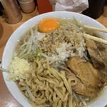 らーめん  忍者 - ラーメン 770円 生玉子 50円 ニンニクヤサイアブラ