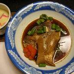 ホテルききょう - 海鮮丼コース 鯛のかぶと煮、茶碗蒸し
