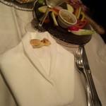 VIA Brianza - 蝶ネクタイがかわいいテーブルセット