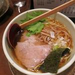 麺たつ - 正油ラーメン580円