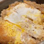 うどん和助 - 甘めの味付け。卵の感じも中々良いですね!