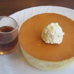 星乃珈琲店 - 料理写真:窯焼きスフレパンケーキはふわふわ♪