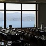 絶景レストラン うずの丘 - 店内から見える景色。