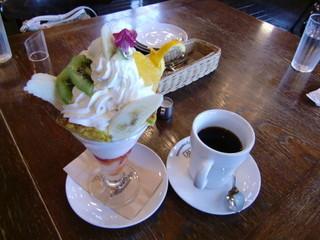 珈琲哲學 水戸店 - バナナパフェ