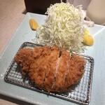 152985253 - 「特ロース豚かつ定食」(2400円)