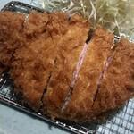 152985256 - 「特ロース豚かつ定食」(2400円)