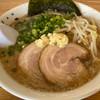らぁめん伊山 - 料理写真:とんこつ 780円。