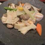 オールドハウス ラオファン - シャキシャキのお野菜がたっぷり。薄味で美味しいです。