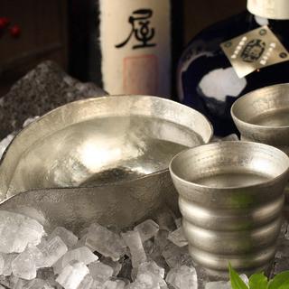 利酒師の選ぶ日本酒120種以上!夏は冷酒を「錫」グラスで