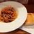 (食)ましか - 豚肉ラグースパゲッティ、3種きのことパルミジャーノ、パリッと素朴な風味の自家製パン
