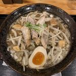 らぁめん しんば - 料理写真:「焦がしみそ鶏白湯」900円