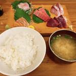 初恋屋 - 料理写真:1日20食限定の刺身定食