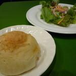 トラットリア ジョイア - バジル風味のフォカッチャ