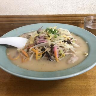 中華 軽食 李花 - 料理写真:生麺ちゃんぽん¥750