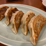 燕京飯店 - ジューシーで熱々!美味い!