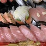 はま寿司 - 「大とろ」だけは一人2貫づつ♡