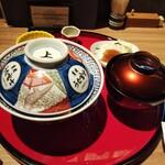 153098580 - 上鰻丼。てか 丼の蓋…………くっそダセぇぇぇ❗️                       5000円オーバーの料理に こんなダサい器使うなよ。