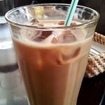 15312257 - アイスコーヒー ミルク投入