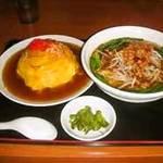四季紅 - 天津飯+台湾ラーメン