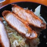 市松 - ソースかつ丼 カツ断面