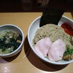 生姜醤油専門 我武者羅 - しそ昆布和え梅生姜つけ麺。