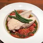 Aux delices de dodine - 鶏むね肉のブレゼ  バジル風味のフレッシュトマトソース タブレ(クスクス風味のサラダ)添え