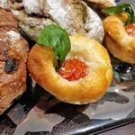 パンストック - イタリアの恵  ( チーズ・トマト・バジルの組み合わせ )