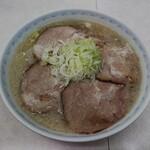153134387 - 肉醤白 大(900円)
