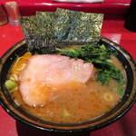 ラーメン 厚木家 - ラーメン 700円