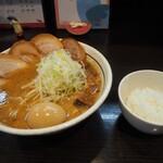 らーめん颯人 - みそらーめん+比内地鶏の味玉&チャーシュー、ミニ白ごはん