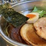 153143953 - 炙りチャーシューラーメン醤油                                      1080円