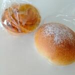 モリ ベーカリー - 料理写真:コーヒーあんぱん¥210・レモンロール¥220