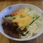カフェ 呂久呂 - サラダ