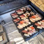秀ちゃん寿司 - 値段表示されてない テイクアウトの寿司パック