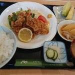 ロッシュ - 料理写真:唐揚げ定食