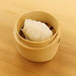 潮州式白身魚とセロリの蒸し餃子