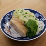 蒸し鶏の葱と生姜のソース