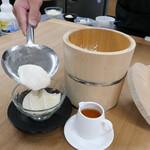 豆腐のデザート シロップがけ