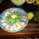 漁師料理 みき - 生さんま丼