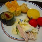 花ごよみ  - 取り皿に取った料理