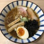 煮干しらーめん 田中にぼる - 煮干し醤油(880円)