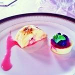 モントルー - デザート2種盛り合わせ スフレとアスパラのブランマンジェ