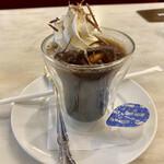 カフェ ウィーン - アイス アインシュペナー