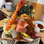 江戸富士 - 鮪トロ、うに、いくら乗せ海鮮丼3,200円税込